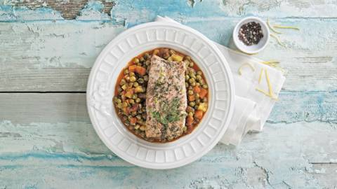 Green peas with salmon fillet