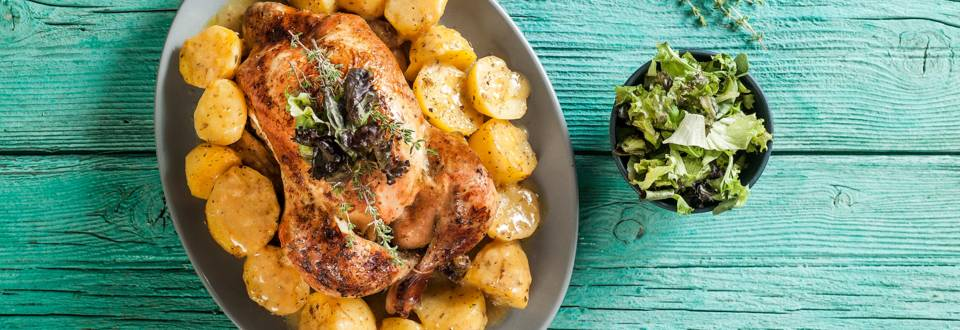 Chicken with potatoes and thyme