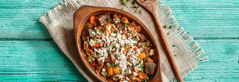 Chuck of beef with vegetables and feta